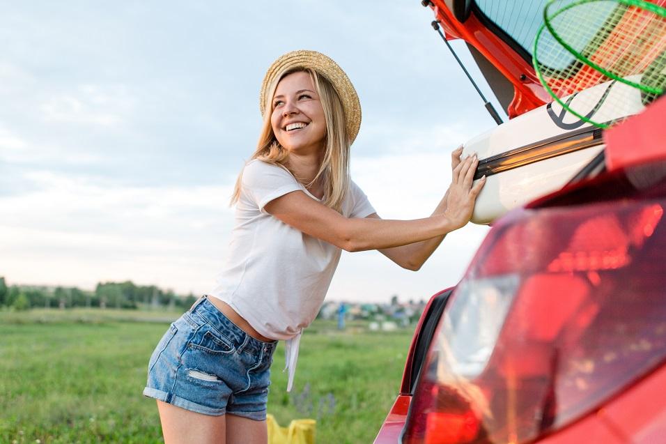 Czy samochodem z wypożyczalni można wyjechać do kraju spoza UE??