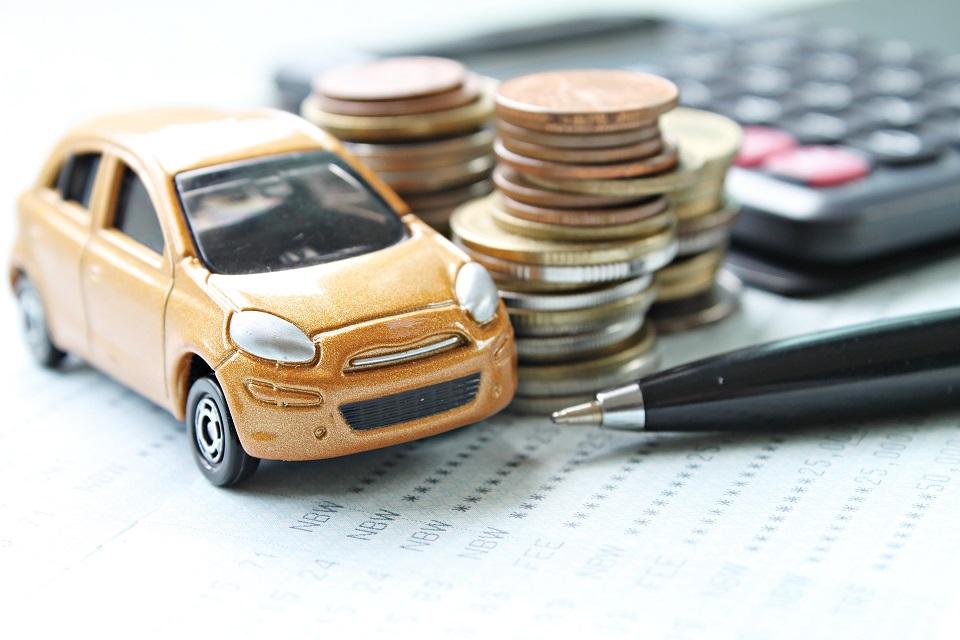 Jak obliczyć koszt wynajmu samochodu z wypożyczalni?