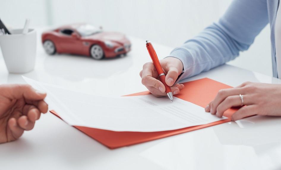 Wypożyczenie samochodu klasy premium z wypożyczalni Carfree