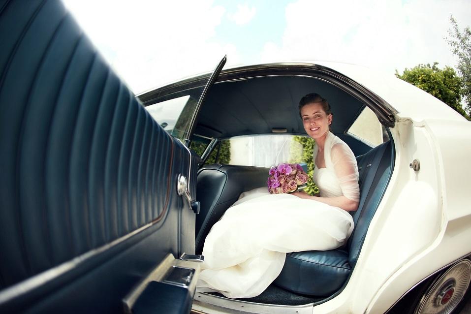 Wypożyczenie samochody do ślubu